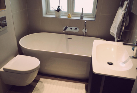 Small bathroom ideas bathroom fitters bristol for Small bathroom uk